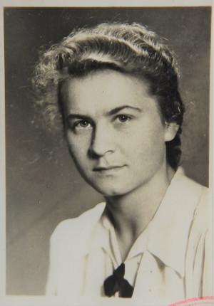 Zdjęcie Janiny Huppenthal. Z czasów młodości.